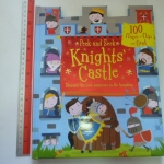 Knights' Castle (Peek and Seek) (Flap Book)