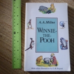 Winnie-the-Pooh (With Colour Illustrations by E.H. Shepard)