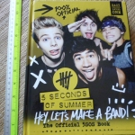 5 Seconds of Summer: The Official 5SOS Book (100% Official)