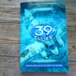The 39 Clues Book Six (6): In Too Deep