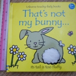 That's Not My Bunny (Usborne Touchy-Feely Books)