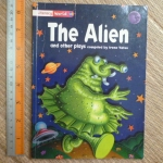 The Alien and Other Plays (Stage 2: PLAYS/ Literacy World)