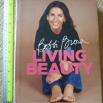 Living Beauty (By Bobbi Brown with Marie Clare Katigbak-Sillick)