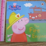 Peppa Pig: The Fire Engine (Board Book)