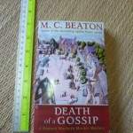 Death of a Gossip (A Hamish MacBeth Murder Mystery)