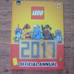 LEGO Official Annual 2013 (Lego ที่หน้าปกหายไป 2 ขีด)