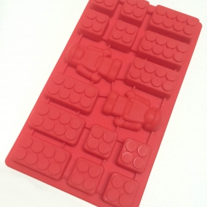 Lego Bricks Robot Mini Man Combination Silicone Ice Tray แดง