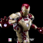 Hot Toys MMS197-D02 Mark XLII iron man 3 Mark 42 1/6 Scale collectible Figure Diecast NEW