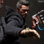 Hot Toys MMS209 - Tony Stark The Mechanic 1/6 Scale Iron Man 3 Collectible Figure NEW