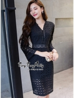 พร้อมส่ง ~ Elegant demeanor Black curvature Lace Dress