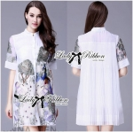 Lady Nadia Chinoiserie Peacock Embroidered Pleated Shirt Dress (สีขาว)