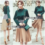 Lady Jamie Super Chic and Elegant Color-Blocking Pleated Dress