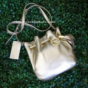 กระเป๋า Michael Kors Pebbled Leather Ring Tote Messenger Crossbody Bag Pale Gold