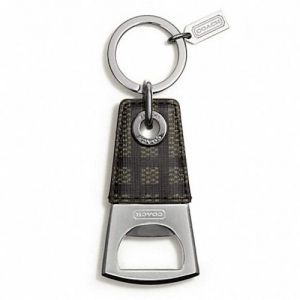 พวงกุญแจ Coach Tattersall Bottle Opener Key Ring: F67097 SGYMC