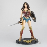 Batman v Superman: Dawn of Justice - Wonder Woman Figure
